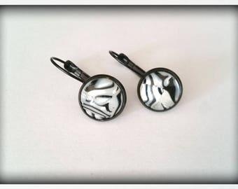 Earrings sleepers of color _ black zebra print