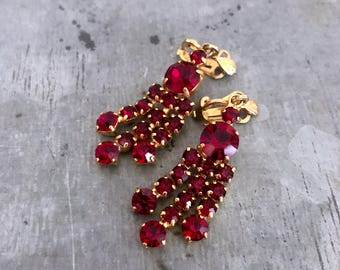 Red chandelier earrings, vintage clip on earrings, rhinestone earrings, vintage earrings, vintage crystal, ruby, garnet, bridal earrings