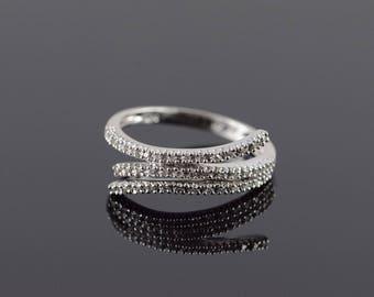 14k 0.25 CTW Diamond Bypass Ring Gold