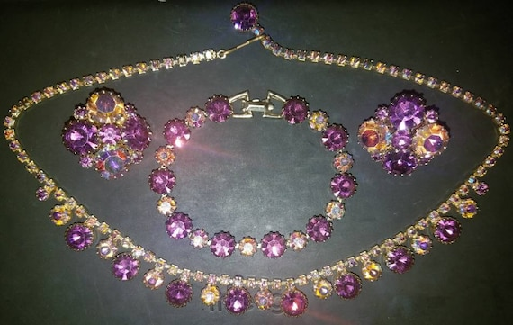 FREE SHIPPING-Vintage-Weiss-Signed-AB-Amethyst-Aurora Borealis-Prong-Parure-Set-Necklace, Bracelet, Earrings
