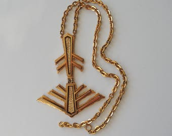 Statement Pendant Necklace Gold Tone Art Deco Unsigned Runway Jewelry