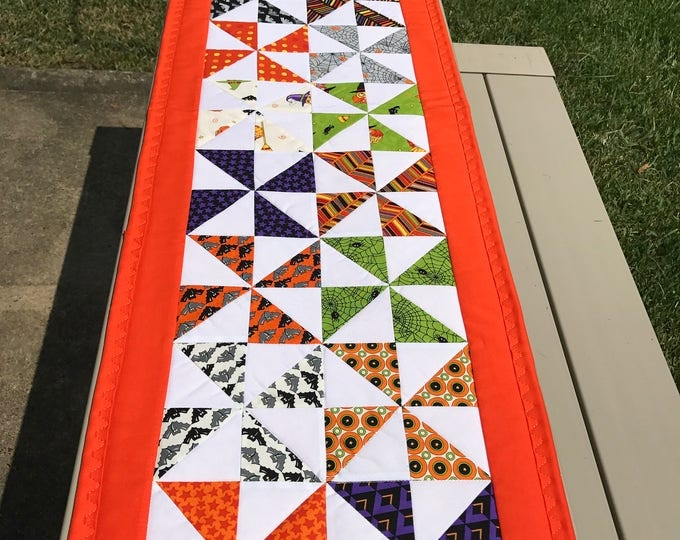 Quilted Pinwheel Halloween Table Runner
