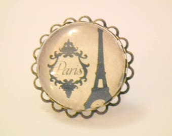 "Ring cabochon ""Tour Eiffel"""