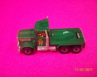 Matchbox  Peterbuilt Semi Truck Cab Only  Green Six Wheeled Big Pete 1/80 Scale Loose Diecast Truck Made In Macau  Nice Condition
