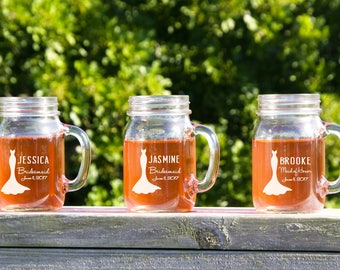 Personalized Mason Jar, Country Bridesmaids Gifts, Etched Mason Jars, Bridal Party Toast, Rustic Wedding Glasses, Mason Jar Decor, Rustic