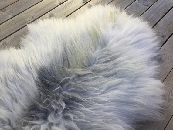 Real natural Sheepskin rug supersoft rugged throw from Norwegian norse breed medium locke length sheep skin white grey gray 18074