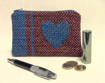 Welsh tweed zipped coin purse/change purse in dark and lighter pink, with blue weave and appliqued heart