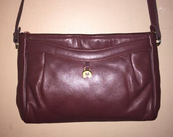 ETIENNE AIGNER VINTAGE Oxblood Leather Shoulder Bag 12 x 7 x 2.5