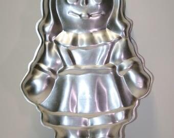 Wilton cake pan:  Raggedy Ann; no insert/booklet; 1971