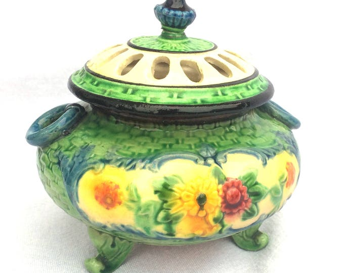 """Maruhonware Lidded Footed Bowl, Made in Japan Circa 1920, Urn Style, 4.5"""" x 4.75"""", Hand Painted Porcelain, Floral Maruhon Ware"""