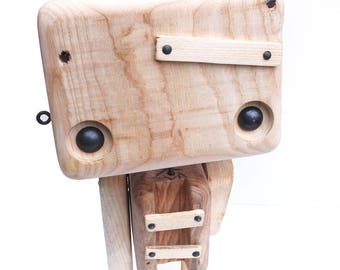 Recycled wooden robot - head soup