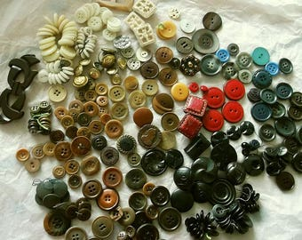 250+ Vintage Buttons + Brooch