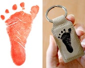 Keychain with your footprint or baby hand engraved on leather, two colors to choose from. Original Father's Day Gift, Mom