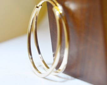 Solid Yellow Gold 30mm Hoop, solid gold hoops, Gold earring, minimalist earring, fine jewellery, gift for her