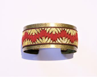 Cuff Bracelet in brass and baroque Burgundy Ribbon