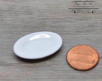 1:12 Dollhouse Miniature White Ceramic Platter/Miniature Plate  B67