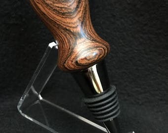 Titanium & black bottle stopper made with bocote wood