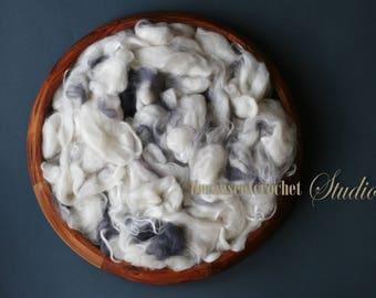 2,5 oz (70gr) Large Basket Stuffer Merino wool and silk fibers. Cute mix of colors. Newborn photo prop. Ready to ship