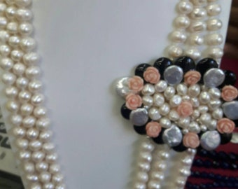 Necklace with Baroque natural pearls and pink coral