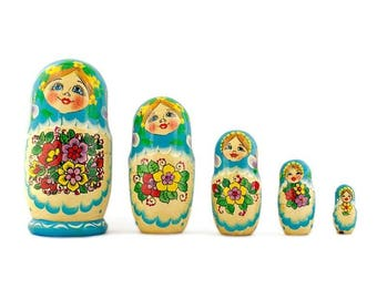 "5.5"" Set of 5 Garden Bouquet Dress Russian Nesting Dolls"