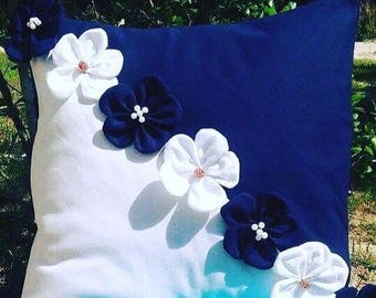 Pillow Navy and white/square pillow with flower