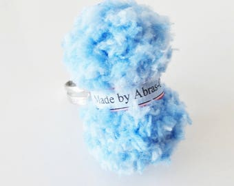 Ring of blue yarn (customizable)