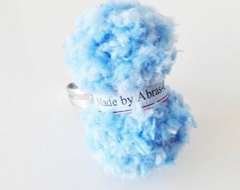Ring of blue yarn (customizable)