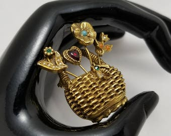 Victorian Style Basket Pin