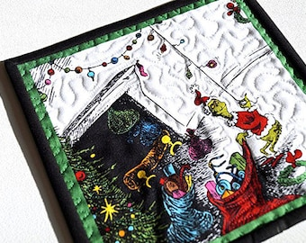 Christmas Mini Quilt Grinch Story Scene in the Who's Home