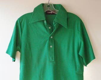 70s green Izod polo shirt// Big collar golf vintage kelly Christmas St Patricks retro hipster xmas holiday// Mens size small S