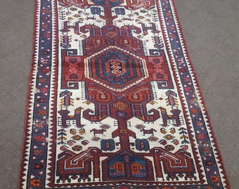 """Vintage Persian rug Size: 3'4"""" x 5'4"""""""