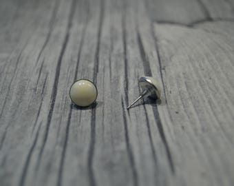 Stainless steel studs cream coloured cabochon
