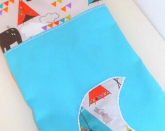 Blue /polaire cotton baby blanket white