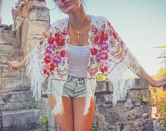 Fringe - Garden of pink short summer kimono