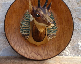 Decorative plate embossed - Chamois mountain decor - vintage hunting trophy