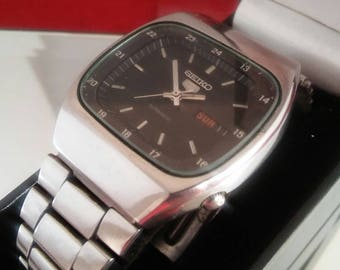 Seiko Full Size Wrist Watch.1980's. Automatic Day/Date.Stainless Case/Band.Black Dial.Free Insured Shipping.
