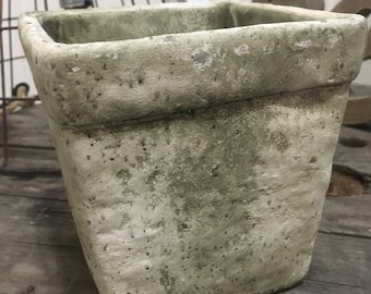 Rustic flower pot
