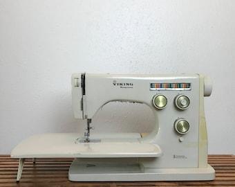 Viking Husqvarna / Vintage Sewing Machine / Husquvarna Sewing Machine / Electric Sewing Machine / Swedish Sewing Machine / Antique Sewing
