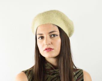 Vintage beige knitted beret, French beret, 70s beret, Soft knitted hat, Cream knitted beret, Vintage ladies hat