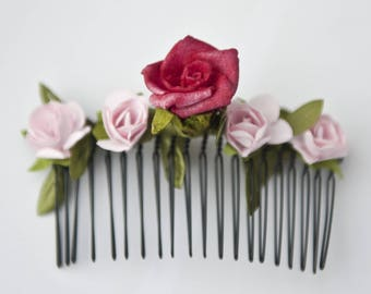 Flowers for matching hair comb