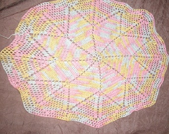 DOILY MULTICOLOR in shades of PASTELS 30 cm in diameter