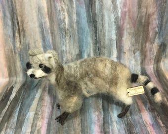 Needle felted raccoon (sarafina inspired)