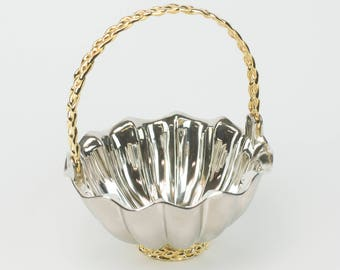 "7"" Silver scalloped basket"