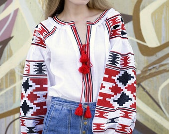 Vysyvanka Linen embroidered blouse Ukrainian clothing. Mexican blouse. Boho blouse Free shipping