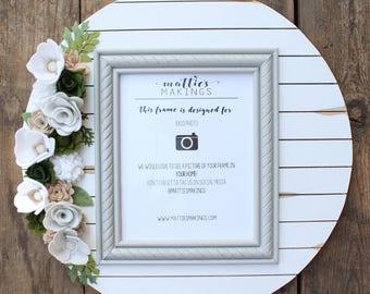 """Felt Floral Shiplap Picture Frame, 8x10, 19"""" overall, handmade felt flowers, Green/white/tan"""