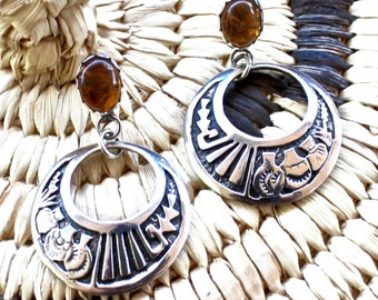 Native American, Navajo Sterling Silver Amber Pottery Pictorial Dangle Earrings