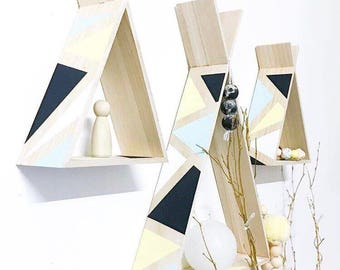 Set of three shelves Teepees to customize