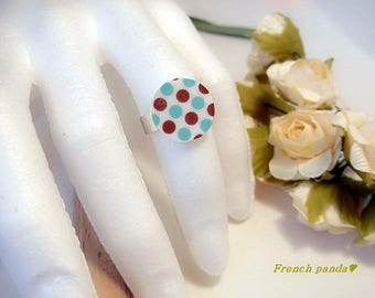 Kitsch style adjustable silver ring. Glassifiée.