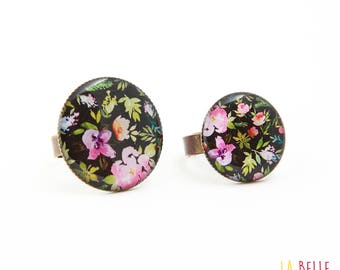 Black floral resin ring