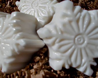 Snowflake Soap - Balsam Fir, Christmas Tree Scent, Evergreen, Avocado Oil - Guest, Holiday, Gift, Stocking Stuffer, White Christmas Snow